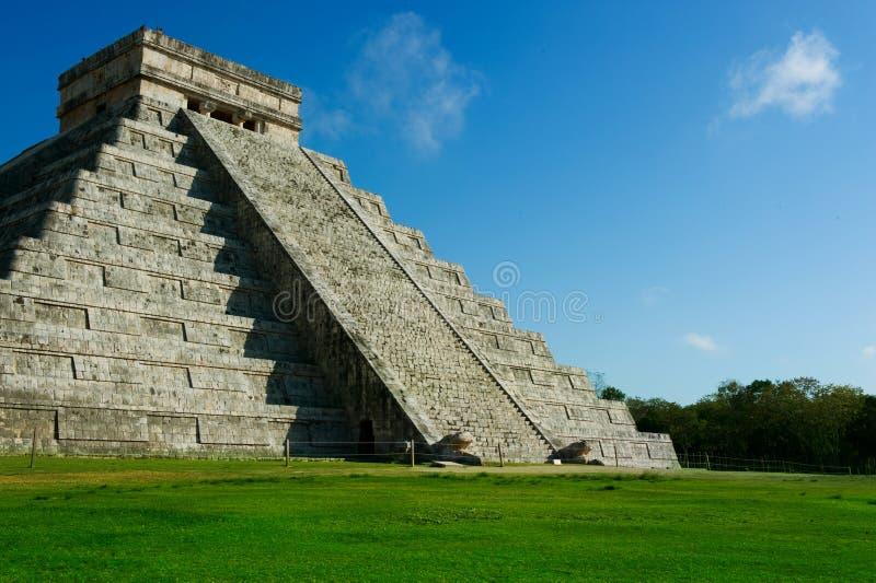 η mayan πυραμίδα του Μεξικού itza στοκ εικόνα