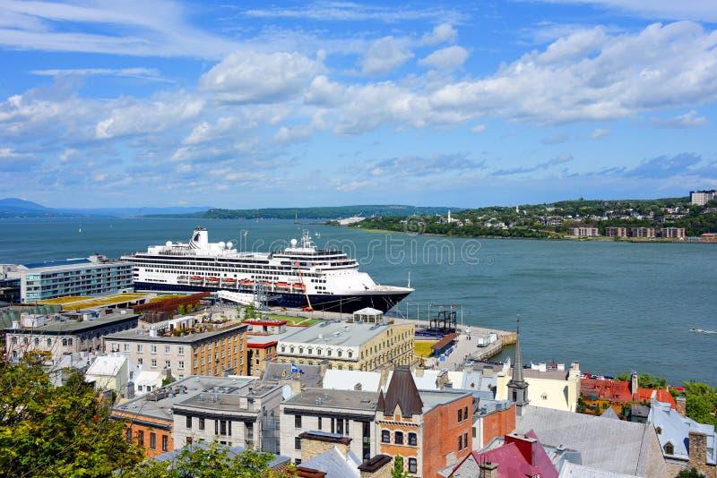 Η MS Zaandam αποβιβάστηκε στην πόλη Κεμπέκ, Καναδάς στοκ εικόνα με δικαίωμα ελεύθερης χρήσης