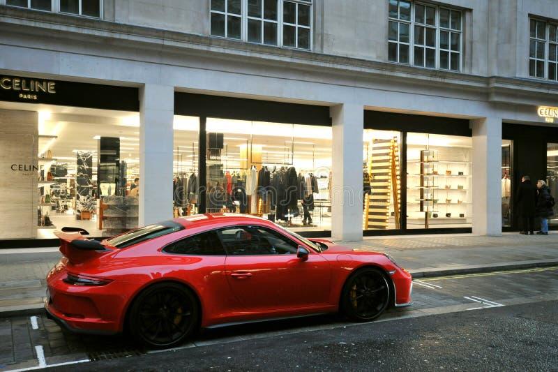 Η New Bond Street του Λονδίνου χαρακτηρίστηκε ως η πιο ακριβή οδός αγορών της Ευρώπης στοκ εικόνες