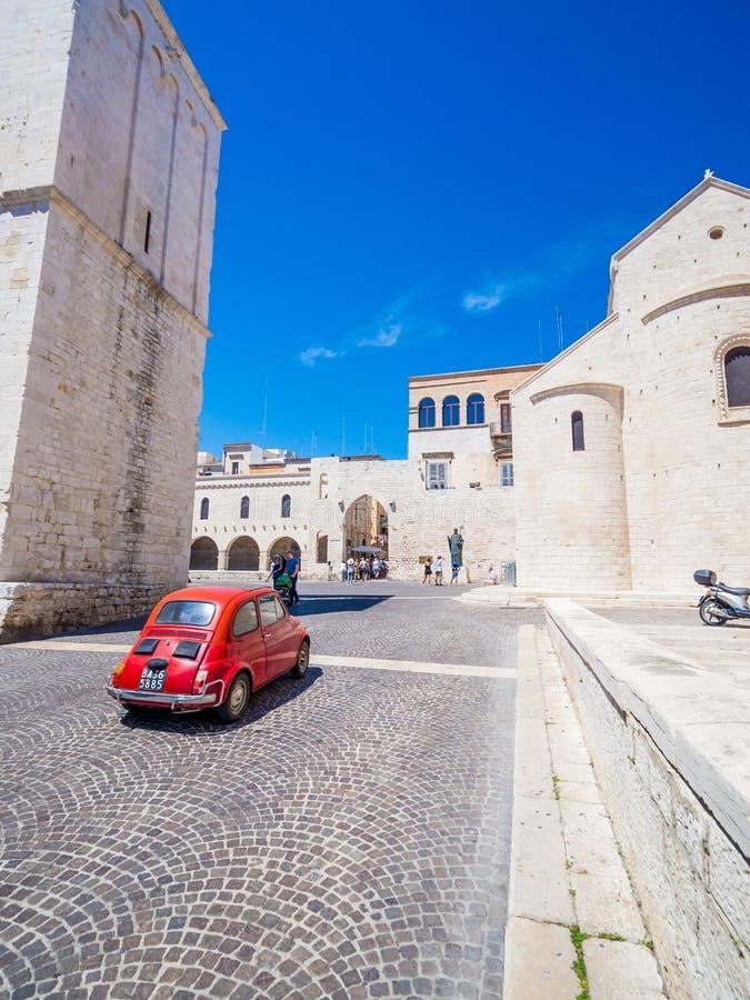Η Pontifical Basilica Di SAN Nicola βασιλική Άγιου Βασίλη, μια εκκλησία στο Μπάρι, Ιταλία στοκ εικόνες