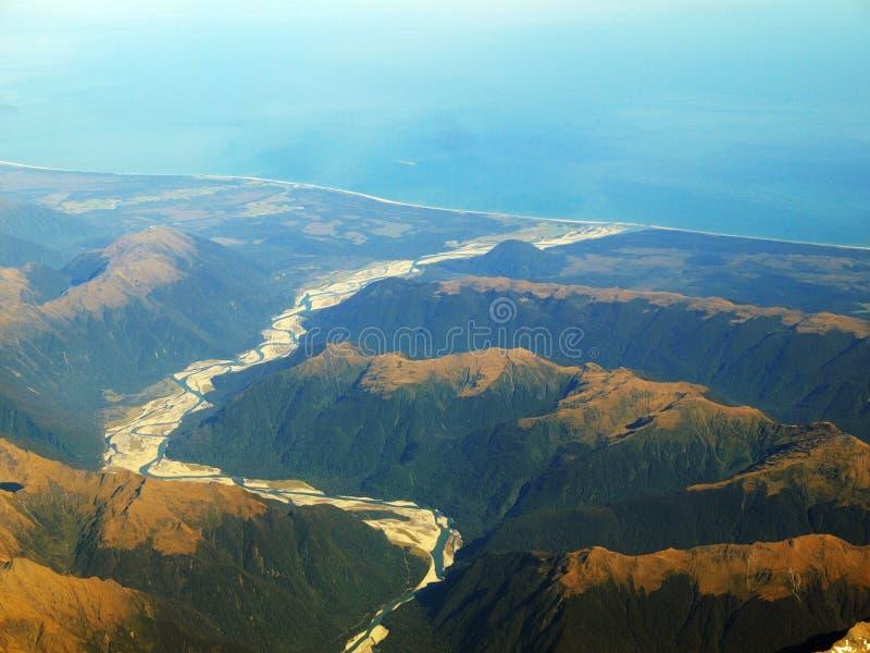 θάλασσα βουνών στοκ εικόνα