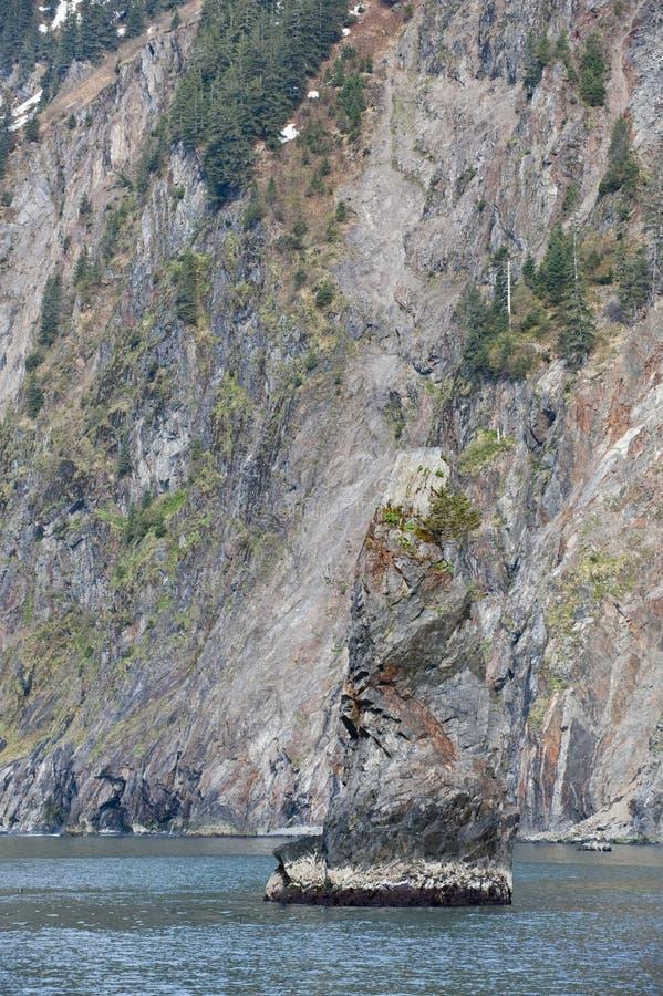 θάλασσα βράχου σχηματισ&mu στοκ φωτογραφία με δικαίωμα ελεύθερης χρήσης