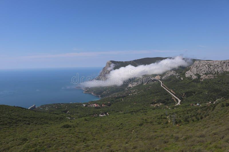 Θάλασσα και βράχοι στοκ εικόνα με δικαίωμα ελεύθερης χρήσης