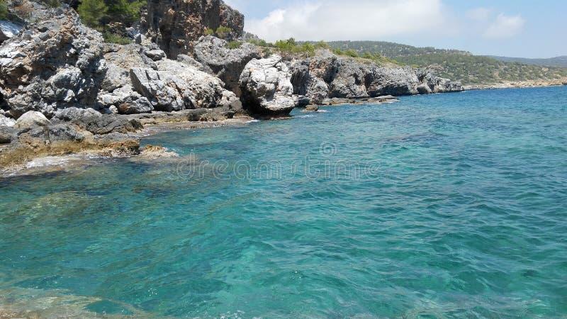 Θάλασσα και βράχος στοκ φωτογραφίες με δικαίωμα ελεύθερης χρήσης