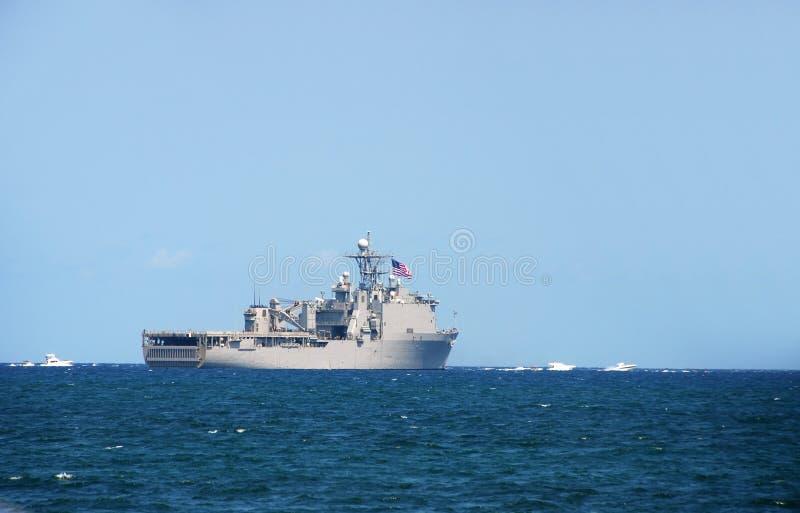 θάλασσα ναυτικών θωρηκτών έξω στοκ φωτογραφία με δικαίωμα ελεύθερης χρήσης