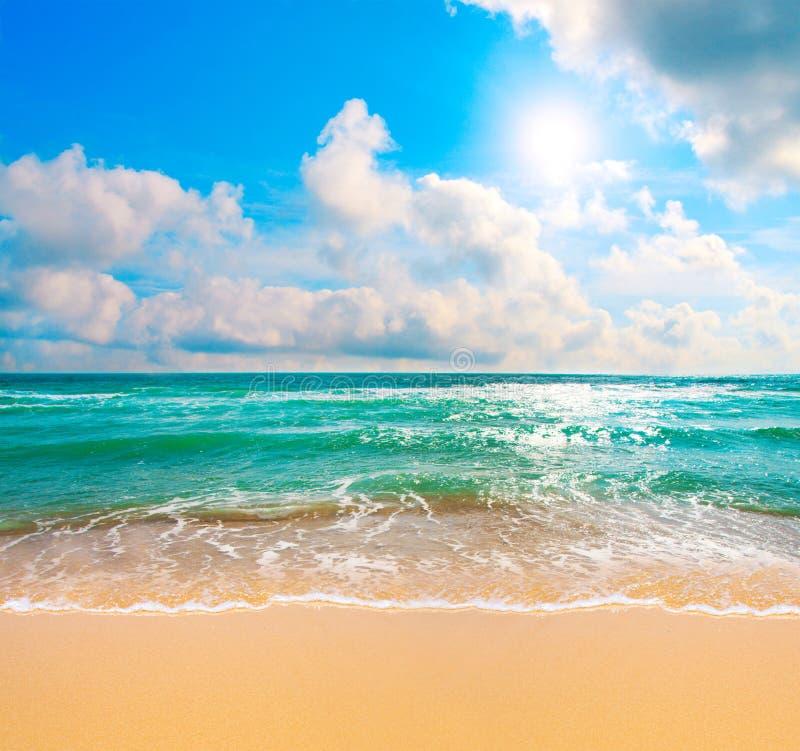 θάλασσα παραλιών τροπική στοκ εικόνα