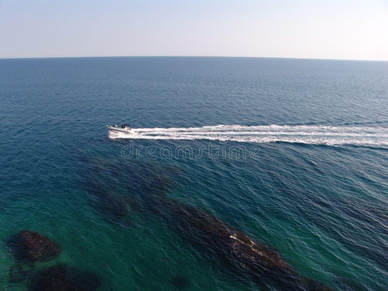 Θάλασσα στο Μαυροβούνιο στοκ φωτογραφία με δικαίωμα ελεύθερης χρήσης