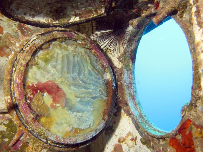 θάλασσα στο παράθυρο στοκ φωτογραφία