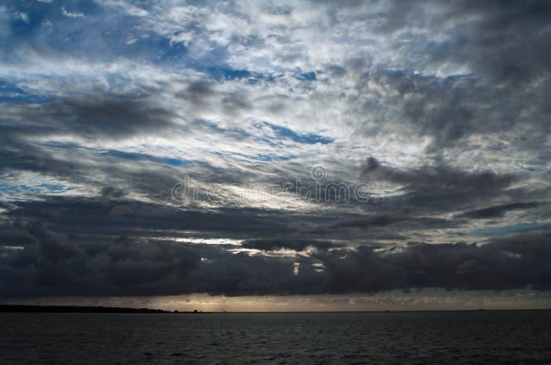 θάλασσα σύννεφων κάτω στοκ φωτογραφίες