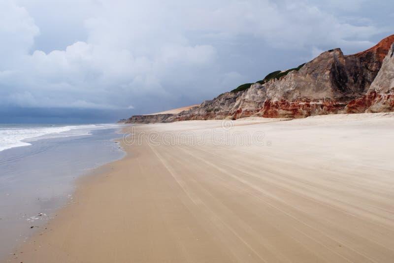 θάλασσα morro απότομων βράχων branco παραλιών στοκ εικόνες