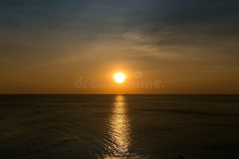 Θάλασσα ηλιοβασιλέματος στοκ εικόνα με δικαίωμα ελεύθερης χρήσης