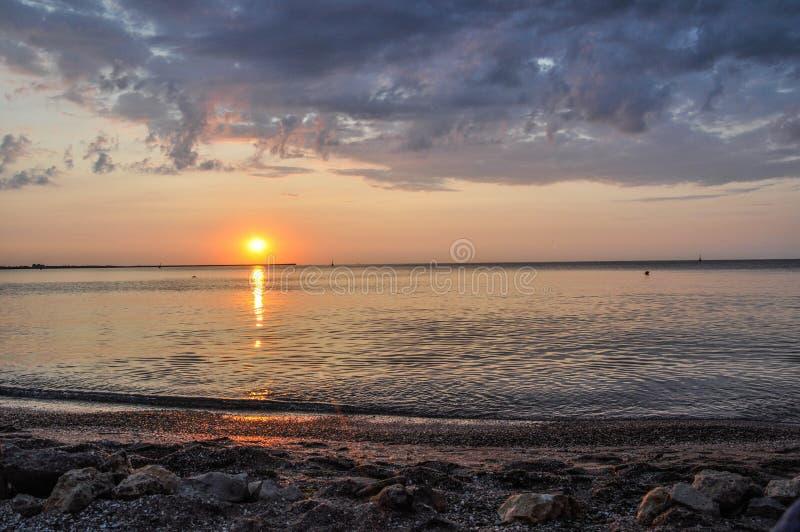 Θάλασσα ηλιοβασιλέματος στοκ εικόνα