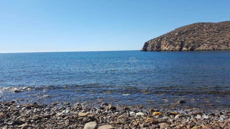 θάλασσα ηλιόλουστη στοκ φωτογραφία