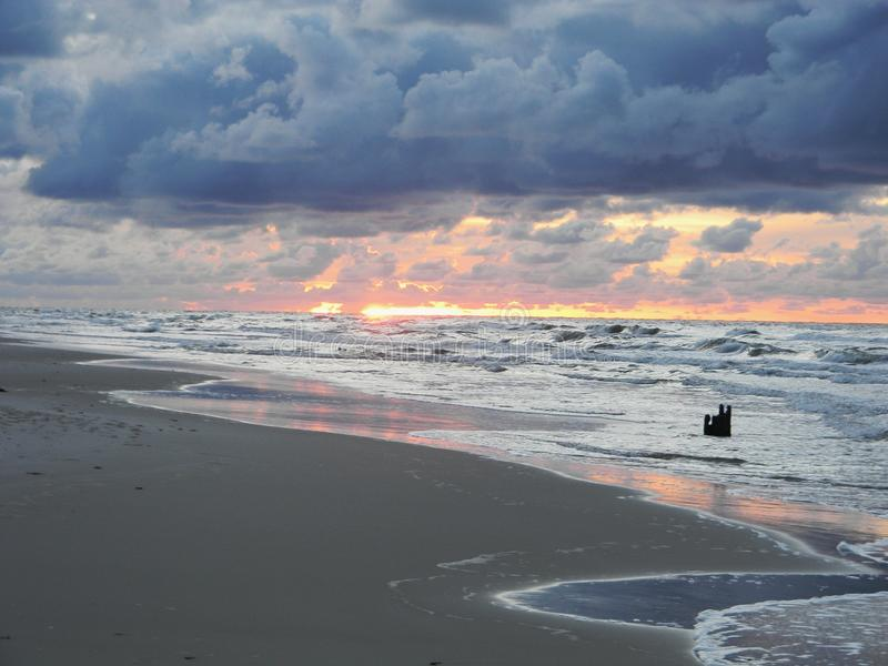 Θάλασσα και καταρράκτης στοκ εικόνα