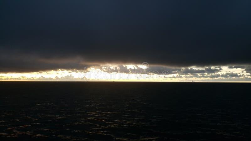 Θάλασσα και σύννεφο στοκ εικόνες