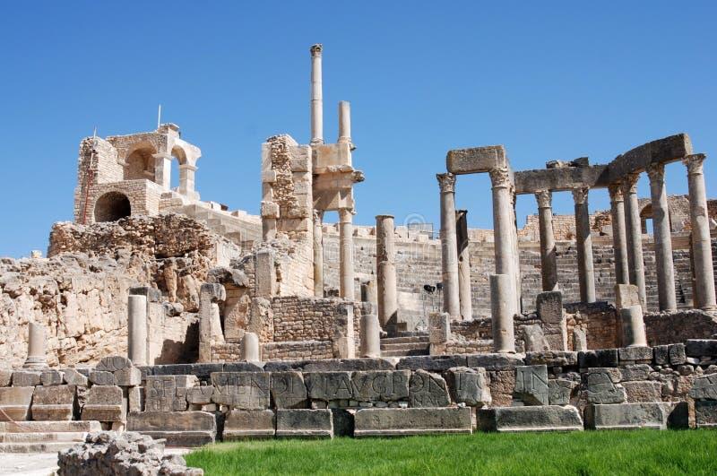 Θέατρο, αρχαία ρωμαϊκή πόλη Dougga, Τυνησία στοκ φωτογραφία με δικαίωμα ελεύθερης χρήσης