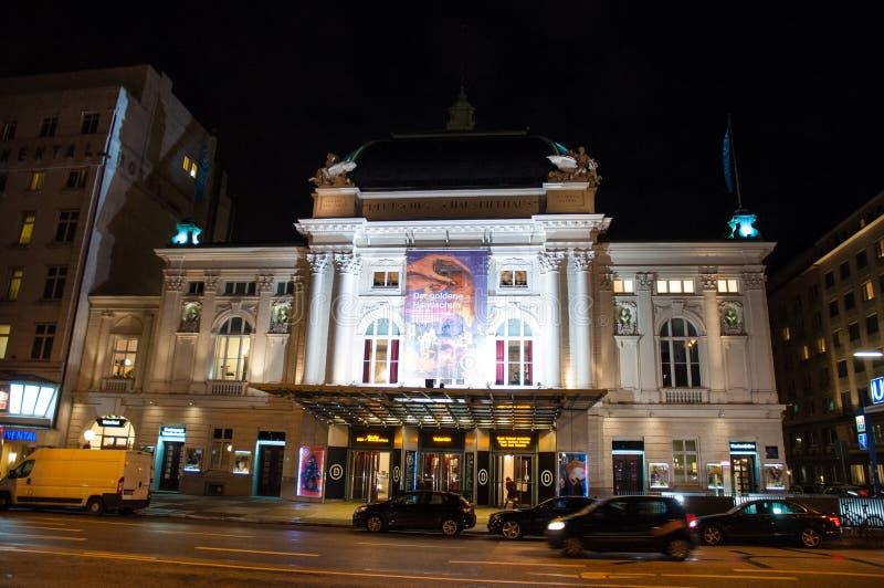 Θέατρο Schauspielhaus Deutsches σε ένα βράδυ στοκ φωτογραφίες