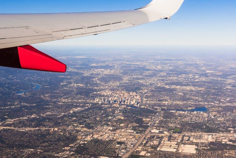 Θέα αεροπλάνου στο Ώστιν του Τέξας στο κέντρο και γύρω περιοχή σε μια ηλιόλουστη ημέρα στοκ φωτογραφίες με δικαίωμα ελεύθερης χρήσης