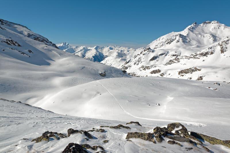 Θέα βουνού στον τομέα του Orelle των 3 κοιλάδων στοκ εικόνα με δικαίωμα ελεύθερης χρήσης