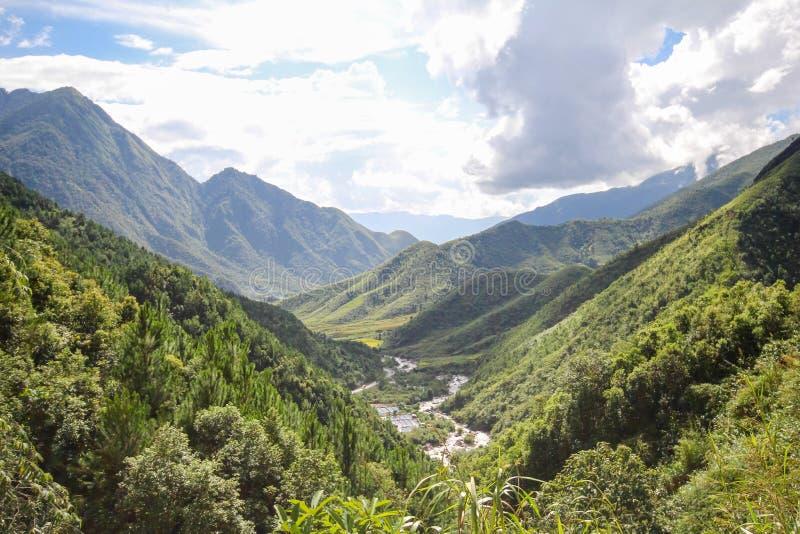 Θέα βουνού τοπίων Sapa, περιοχή Sapa, λαοτιανή επαρχία CAI, βορειοδυτικό Βιετνάμ στοκ φωτογραφία με δικαίωμα ελεύθερης χρήσης