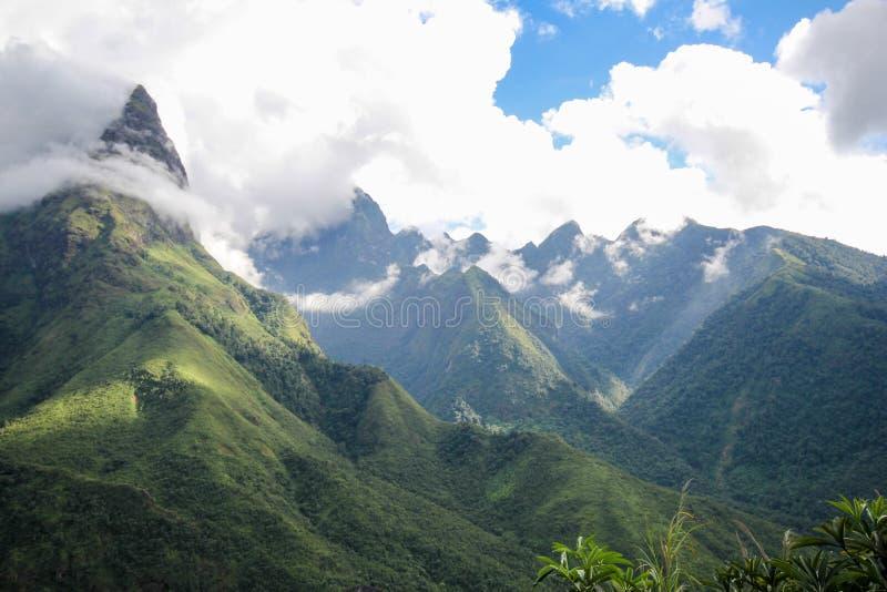 Θέα βουνού τοπίων Sapa, περιοχή Sapa, λαοτιανή επαρχία CAI, βορειοδυτικό Βιετνάμ στοκ φωτογραφία