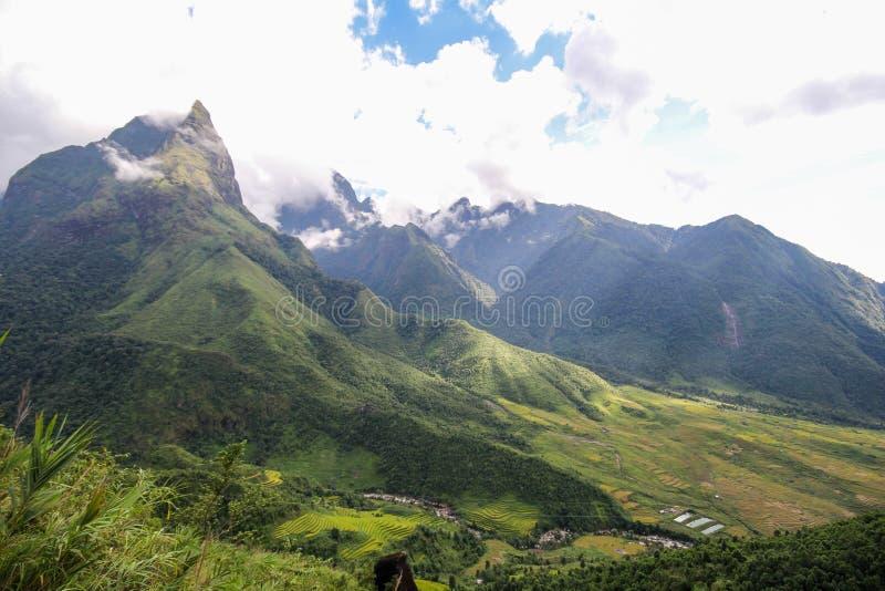 Θέα βουνού τοπίων Sapa, περιοχή Sapa, λαοτιανή επαρχία CAI, βορειοδυτικό Βιετνάμ στοκ εικόνες με δικαίωμα ελεύθερης χρήσης