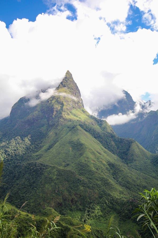 Θέα βουνού τοπίων Sapa, περιοχή Sapa, λαοτιανή επαρχία CAI, βορειοδυτικό Βιετνάμ στοκ φωτογραφίες