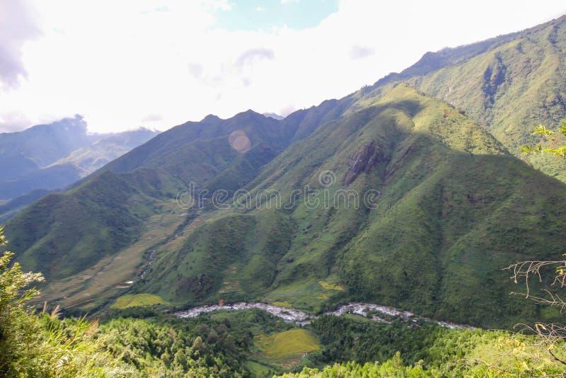 Θέα βουνού τοπίων Sapa, περιοχή Sapa, λαοτιανή επαρχία CAI, βορειοδυτικό Βιετνάμ στοκ εικόνα με δικαίωμα ελεύθερης χρήσης