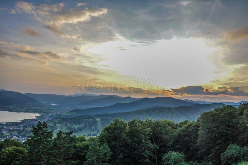 Θέα βουνού Piatra Neamt στοκ εικόνες με δικαίωμα ελεύθερης χρήσης