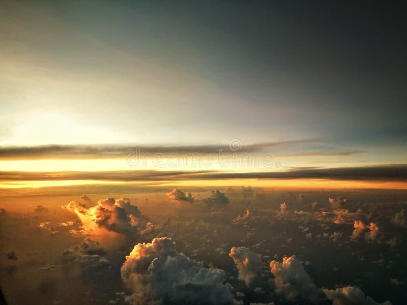 Θέα ηλιοβασίλεμα από τον ουρανό στοκ εικόνες με δικαίωμα ελεύθερης χρήσης