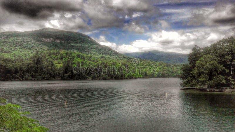 Θέλγητρο λιμνών στοκ φωτογραφία με δικαίωμα ελεύθερης χρήσης