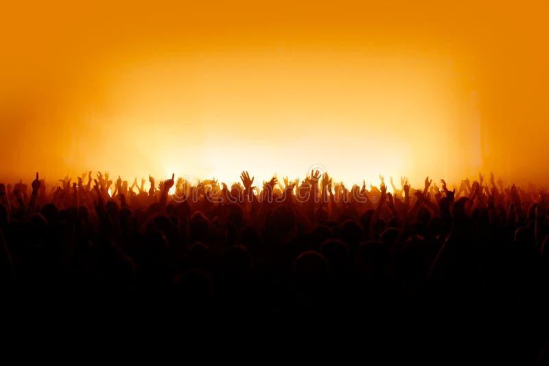 Θέλω να δω τα χέρια σας - συμφωνήστε το πλήθος στοκ εικόνες με δικαίωμα ελεύθερης χρήσης