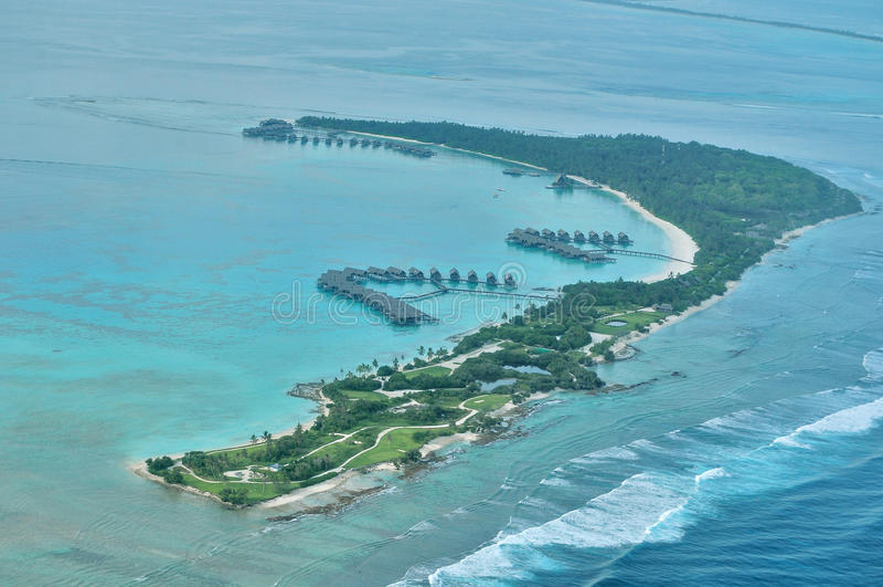Θέρετρο Villingili shangri-Λα και SPA - εναέριες Μαλδίβες στοκ φωτογραφίες