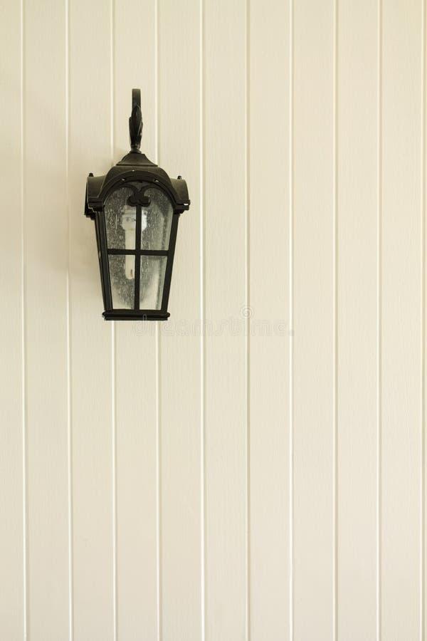 Θέσεις λαμπτήρων στον τοίχο στοκ φωτογραφία με δικαίωμα ελεύθερης χρήσης