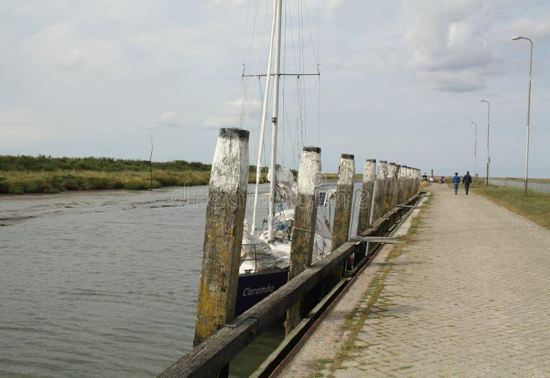 Θέσεις πρόσδεσης στο λιμάνι στοκ φωτογραφία με δικαίωμα ελεύθερης χρήσης
