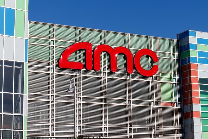 Θέση κινηματογραφικών αιθουσών AMC Τα θέατρα AMC είναι η μεγαλύτερη αλυσίδα κινηματογραφικών αιθουσών στον κόσμο Ι στοκ φωτογραφίες με δικαίωμα ελεύθερης χρήσης