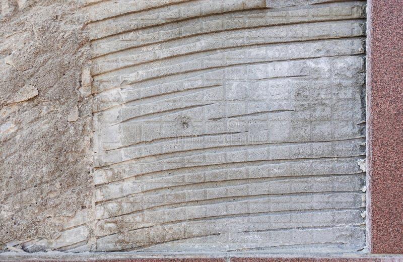 Θέση στον τοίχο όπου υπήρξε ένα κεραμίδι Επισκευές r στοκ φωτογραφία με δικαίωμα ελεύθερης χρήσης