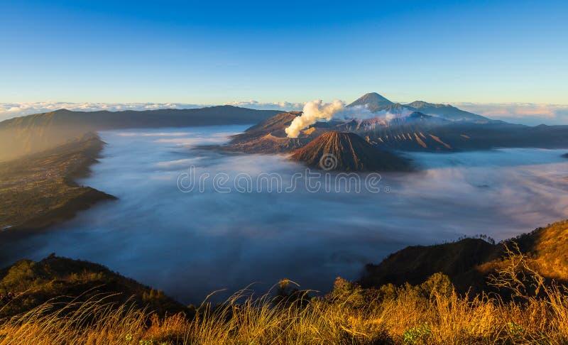 Θέση ταξιδιού φύσης ορόσημων ηφαιστείων Bromo της Ινδονησίας στοκ φωτογραφία