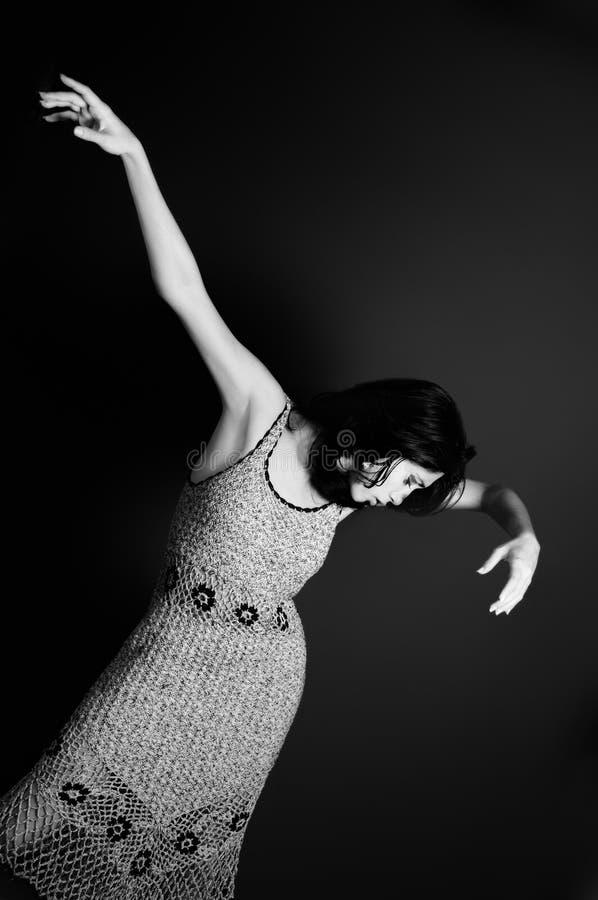 θέτοντας γυναίκα μόδας στοκ φωτογραφία με δικαίωμα ελεύθερης χρήσης