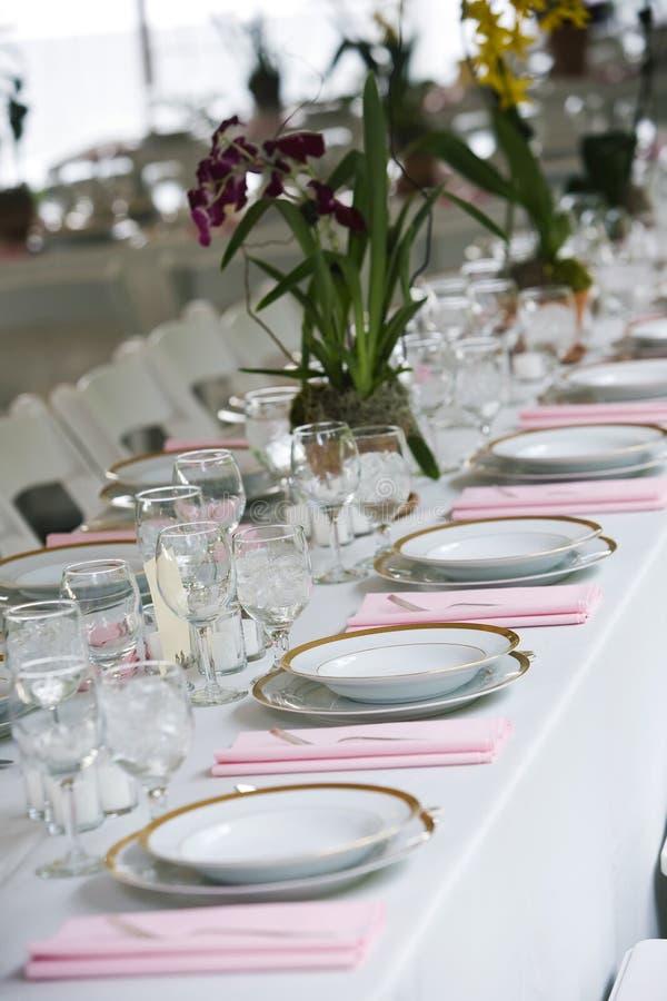 θέτοντας επιτραπέζιος γάμος στοκ εικόνες