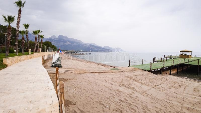 Θαλάσσιος περίπατος στην ακτή στοκ φωτογραφία με δικαίωμα ελεύθερης χρήσης