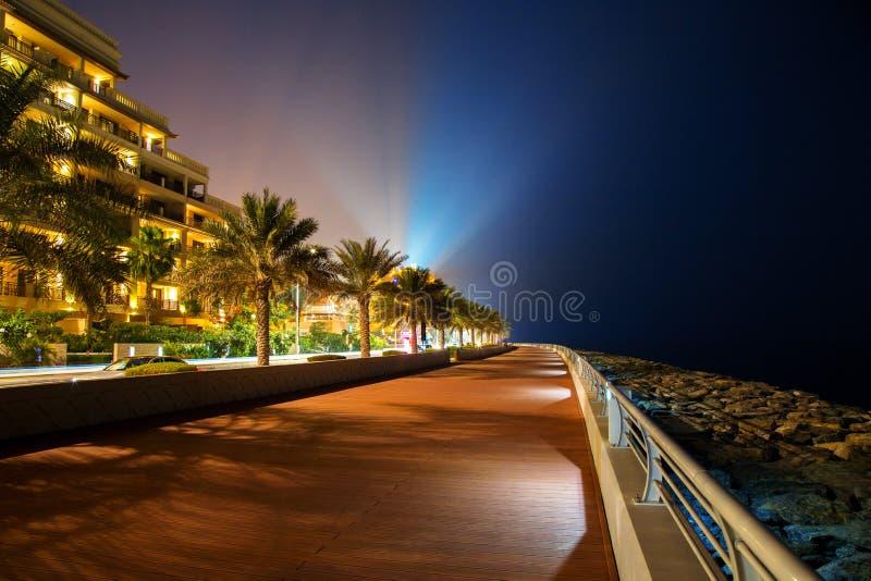 Θαλάσσιος περίπατος του Ντουμπάι τη νύχτα στοκ εικόνες με δικαίωμα ελεύθερης χρήσης
