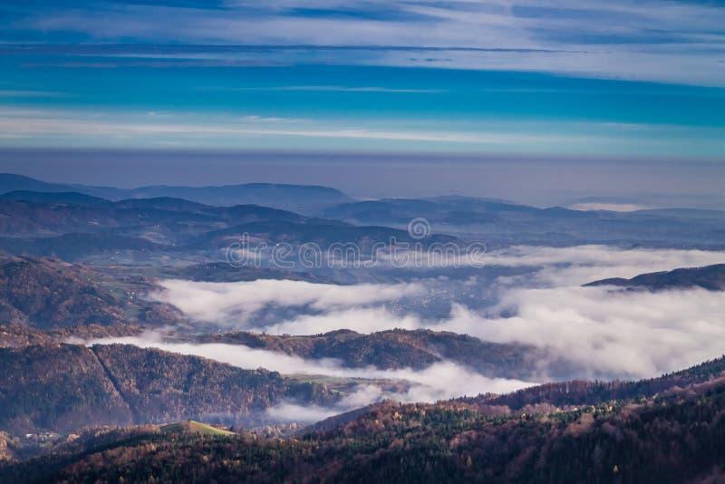Θαυμάσια ανατολή στο Tatras το φθινόπωρο, Πολωνία στοκ φωτογραφία με δικαίωμα ελεύθερης χρήσης