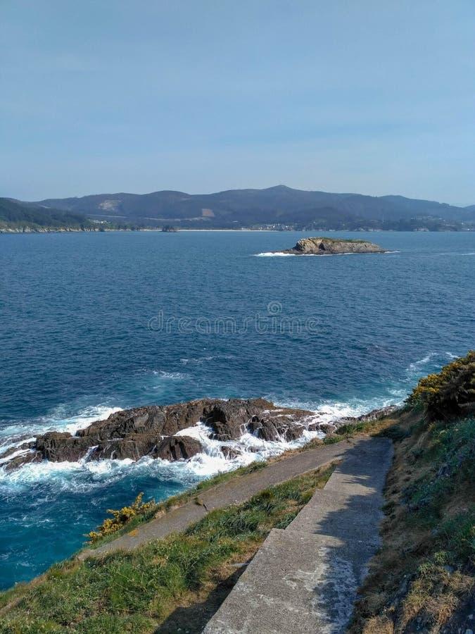 Θαυμάσιοι απότομοι βράχοι της Γαλικία στοκ εικόνα