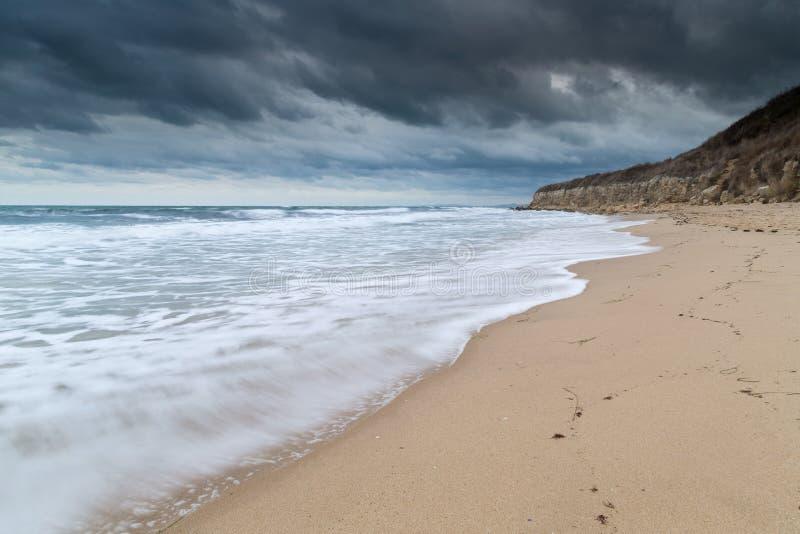 Θαλάσσιος δρόμος στην ακτή Μαύρης Θάλασσας στοκ φωτογραφία με δικαίωμα ελεύθερης χρήσης