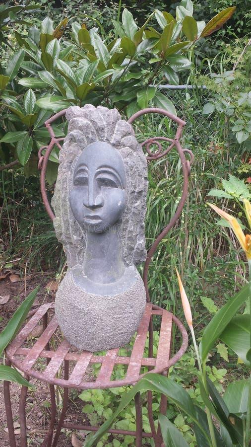 Θεά στον κήπο στοκ εικόνα με δικαίωμα ελεύθερης χρήσης