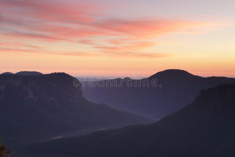 Θεαματικές απόψεις από Pulpit τα μπλε βουνά Blackheath βράχου στοκ εικόνες