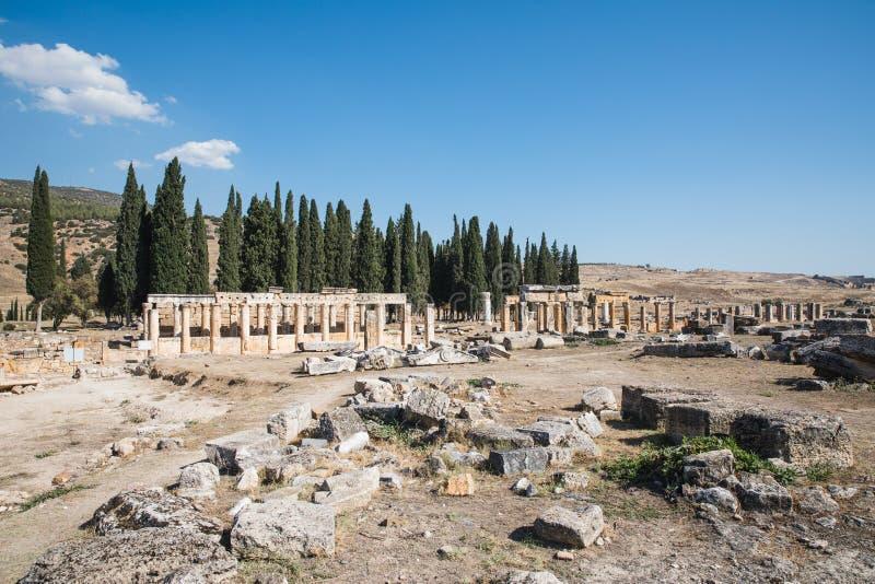 θεαματική άποψη της αρχαίας αρχιτεκτονικής σε διάσημο στοκ εικόνες