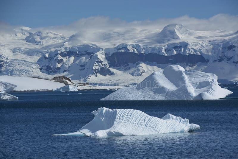Θεαματικό τοπίο πάγου στην Ανταρκτική στοκ εικόνα