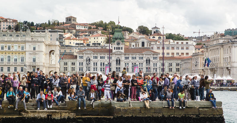 Θεατές κατά τη διάρκεια του Barcolana 2012 στοκ εικόνες